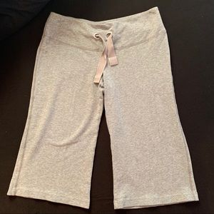 Nike woman's cropped sweatpants. Size XS.
